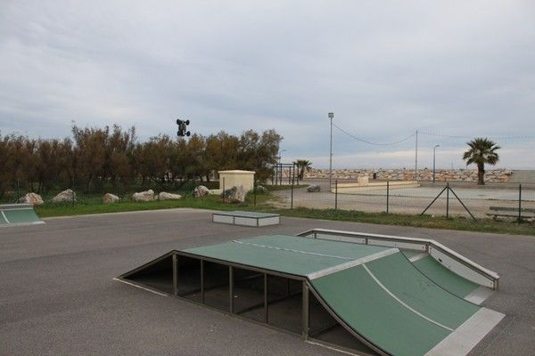 skate park de st marie de la mer. Black Bedroom Furniture Sets. Home Design Ideas